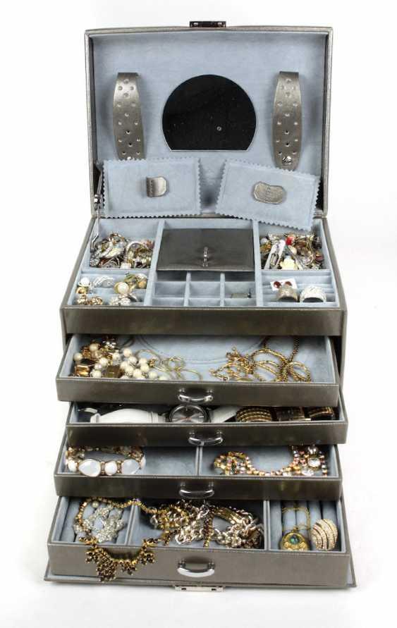 Jewellery box with costume jewellery, watches - photo 1