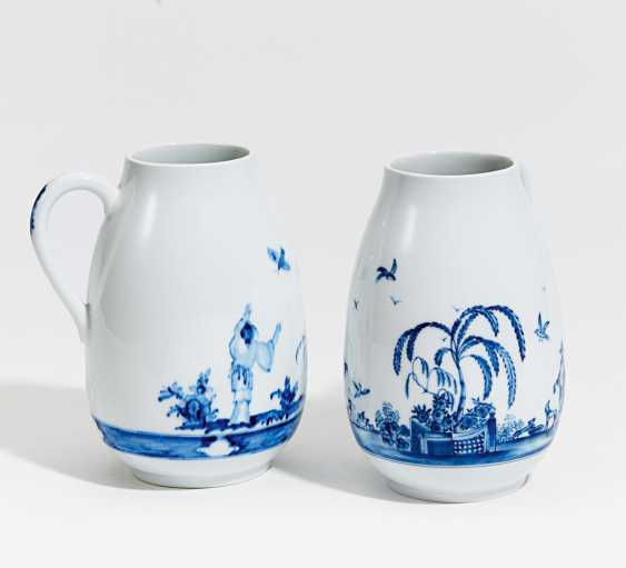 Two pitchers with Chinoiserien in blue painting - photo 1