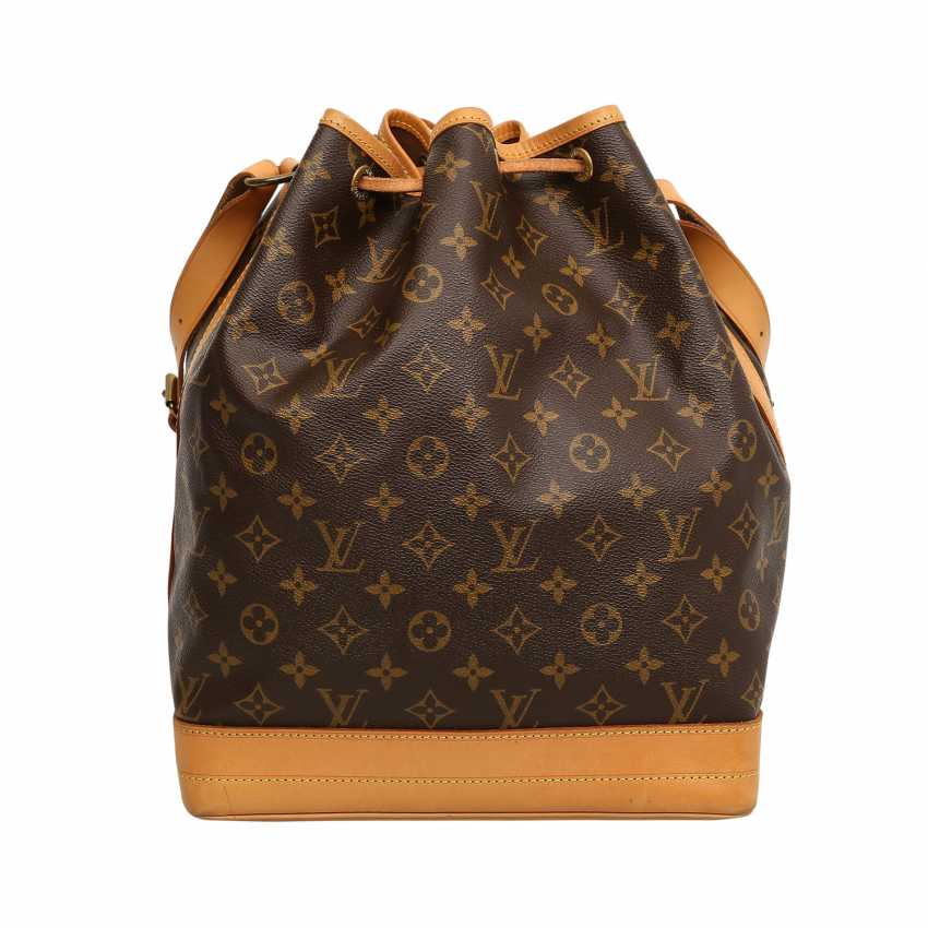 ebf492f3db1b4 Lot 2. LOUIS VUITTON VINTAGE bag