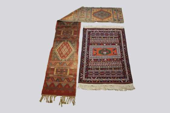 Set of two rugs - photo 1