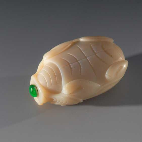 Snuffbottle turtle, white Jade. - photo 2