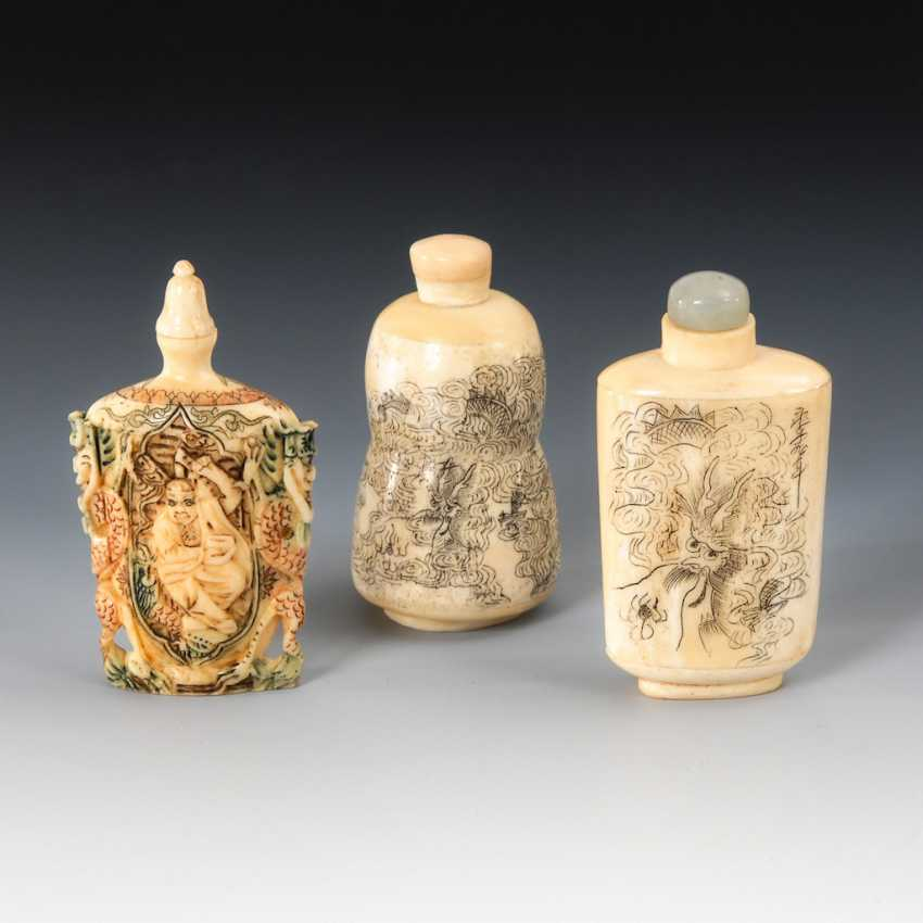 3 Snuffbottles - engraved and beschnit - photo 1