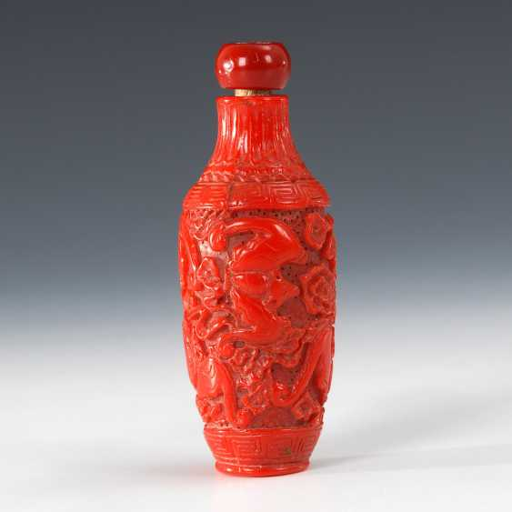 Snuffbottle - carved coral. - photo 1