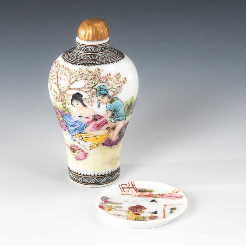 Erotic Snuffbottle with Snuffdish. - photo 1
