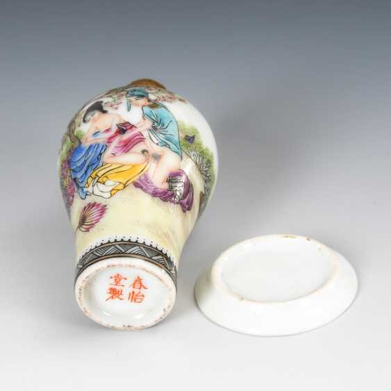 Erotic Snuffbottle with Snuffdish. - photo 3