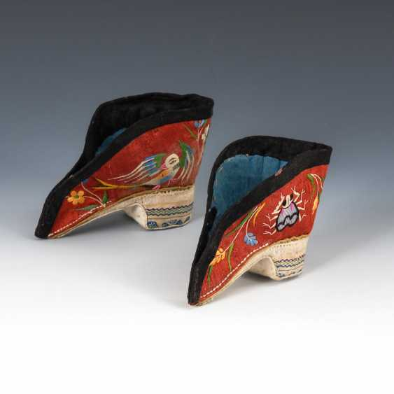Woman's shoes for bound feet. - photo 1