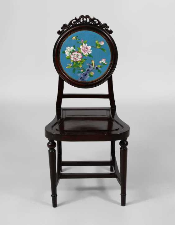 Chair with Cloisonne back plate. - photo 2
