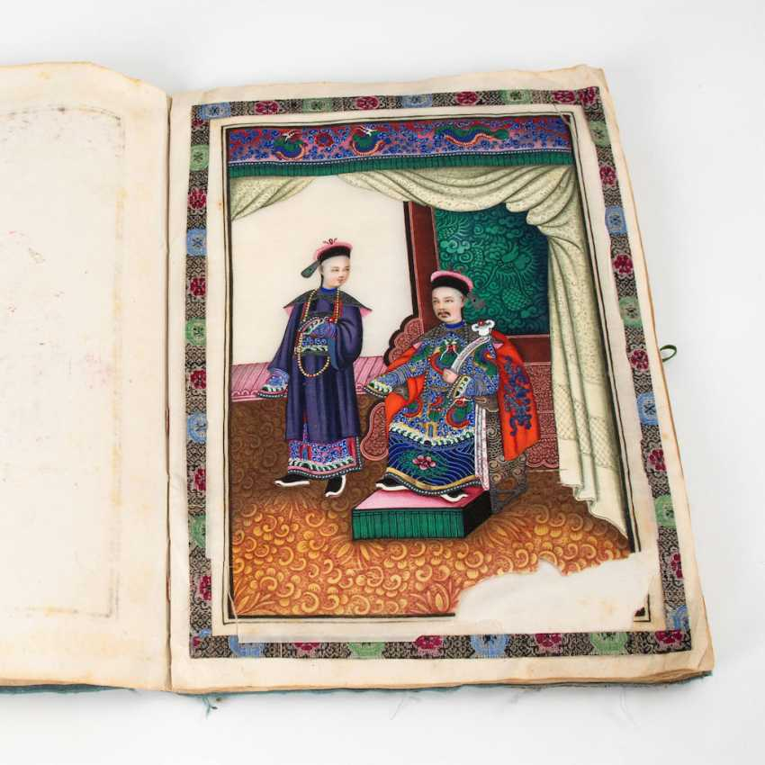 Album with colored hand paintings on Re - photo 1
