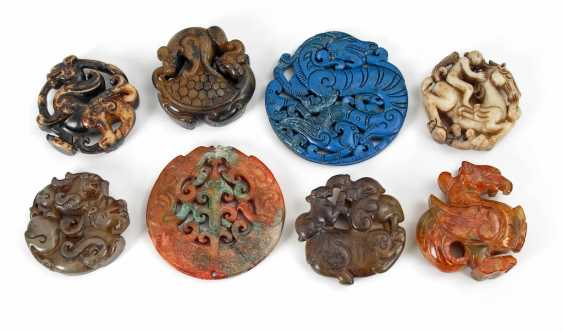 8 carvings made of nephrite Jade. - photo 2