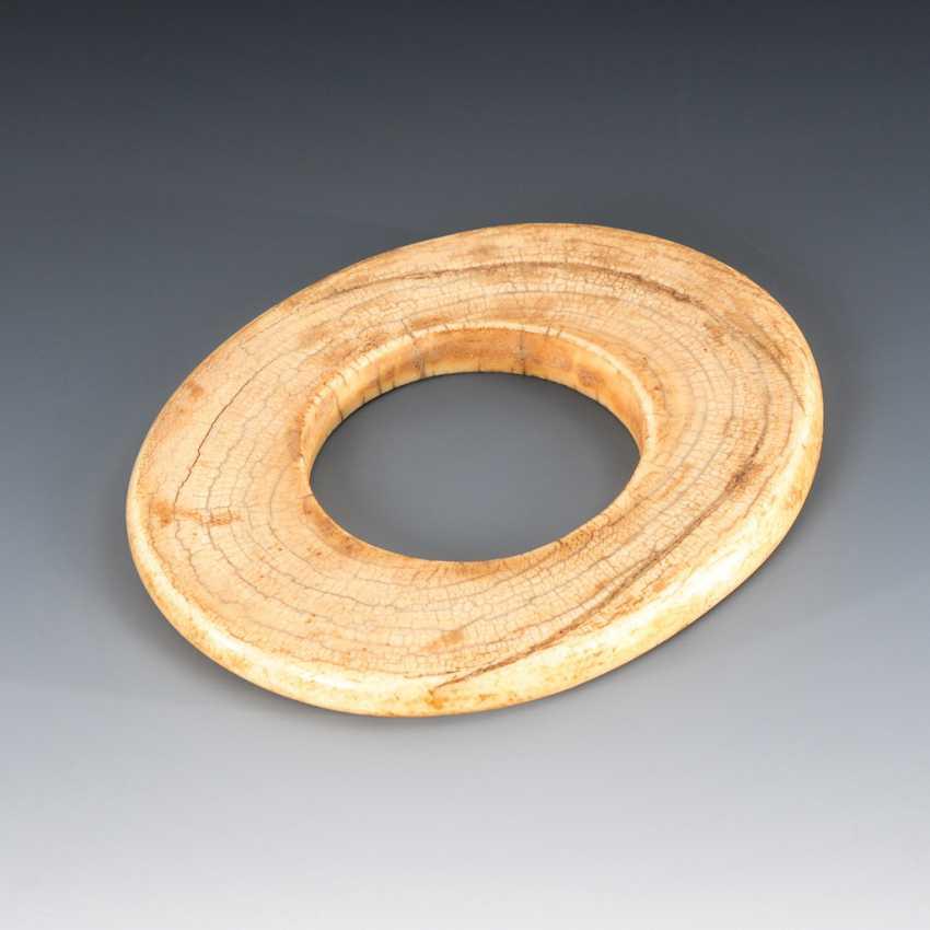 Bangle made of ivory. - photo 1