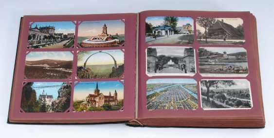 Postkartenalbum mit ca. 1000 Karten. - Foto 1