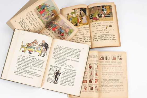 4 school books. - photo 2