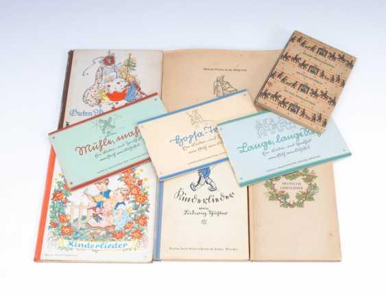 9 Children's Books - Song Books. - photo 1