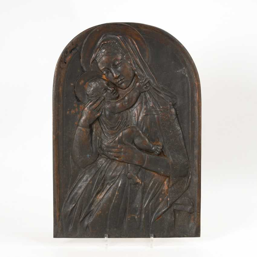 Iron art cast-Relief: virgin and child. - photo 1