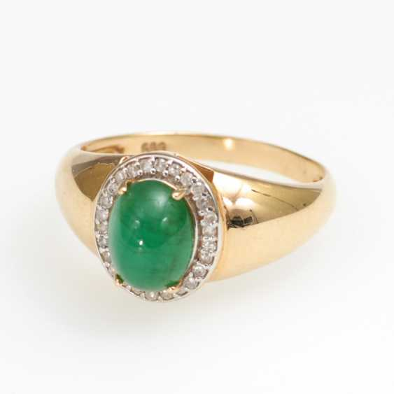 Designer Ring with emerald and diamonds - photo 1