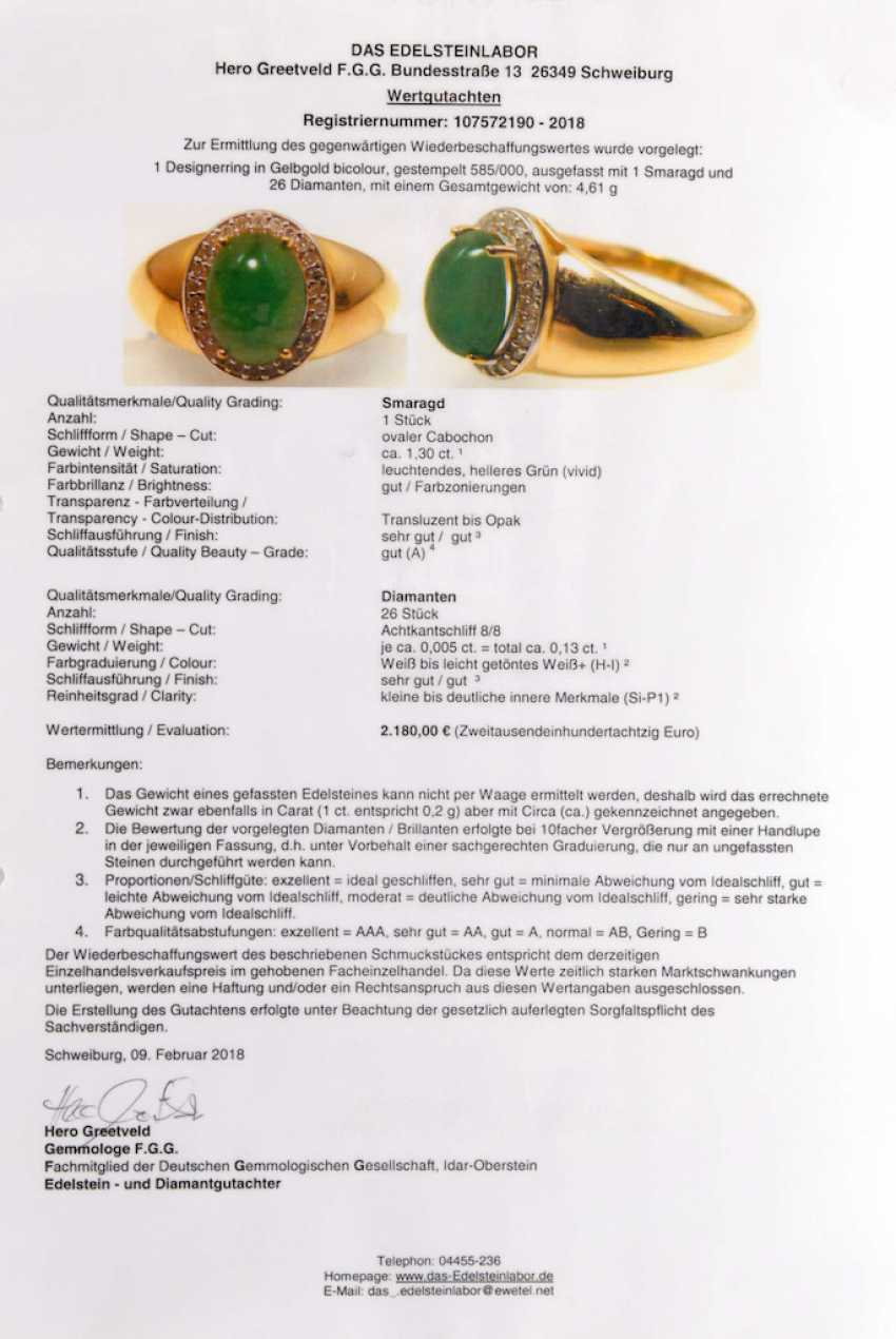 Designer Ring with emerald and diamonds - photo 2