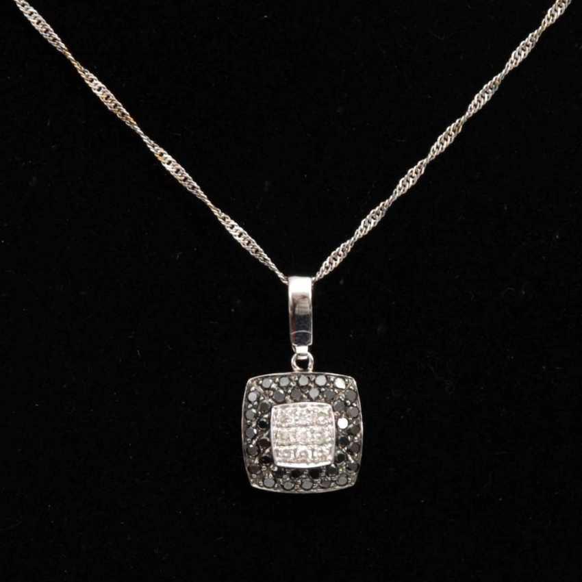 Pendant with diamonds on chain. - photo 1