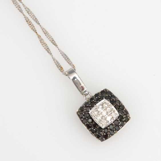 Pendant with diamonds on chain. - photo 2