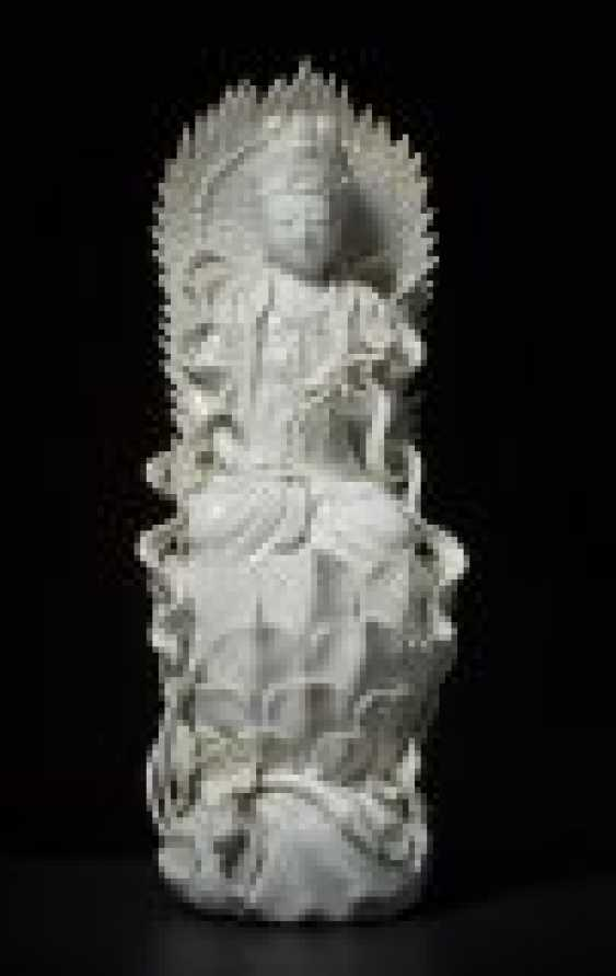 GUANYIN IN THE ASS IN THE THRONE - photo 1