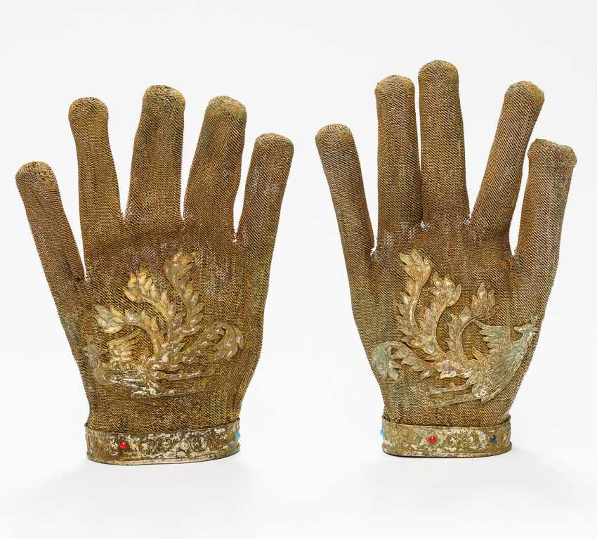 RARE GLOVES WITH PHOENIX REPRESENTATION - photo 5