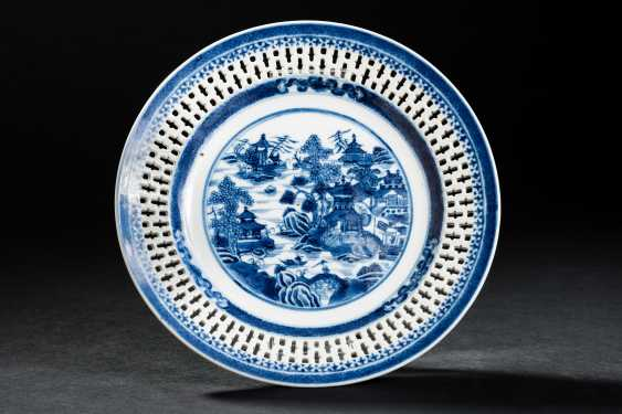 DECORATIVE PLATE TEMPLE LANDSCAPE