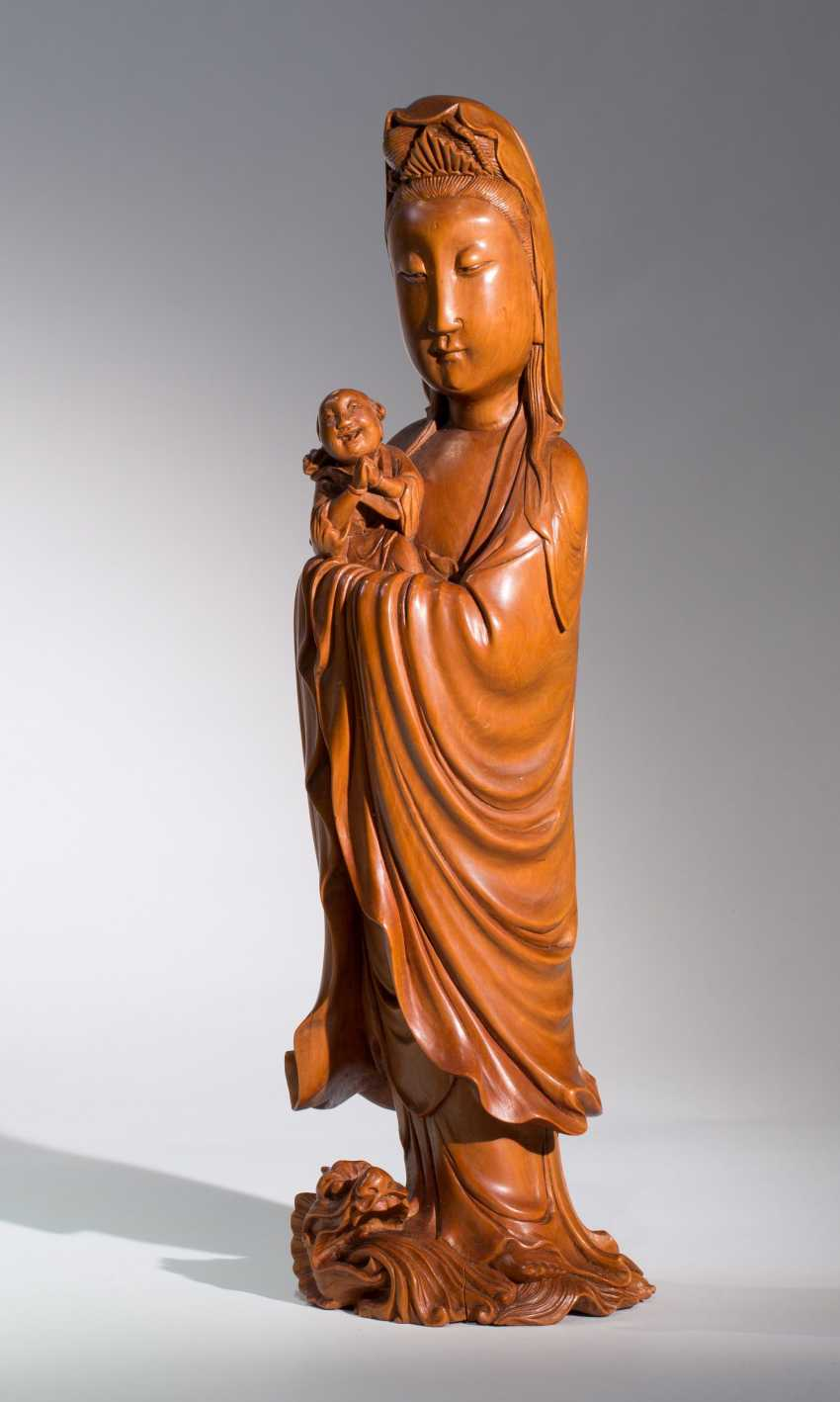 THE CHILDREN-BRINGING GODDESS GUANYIN