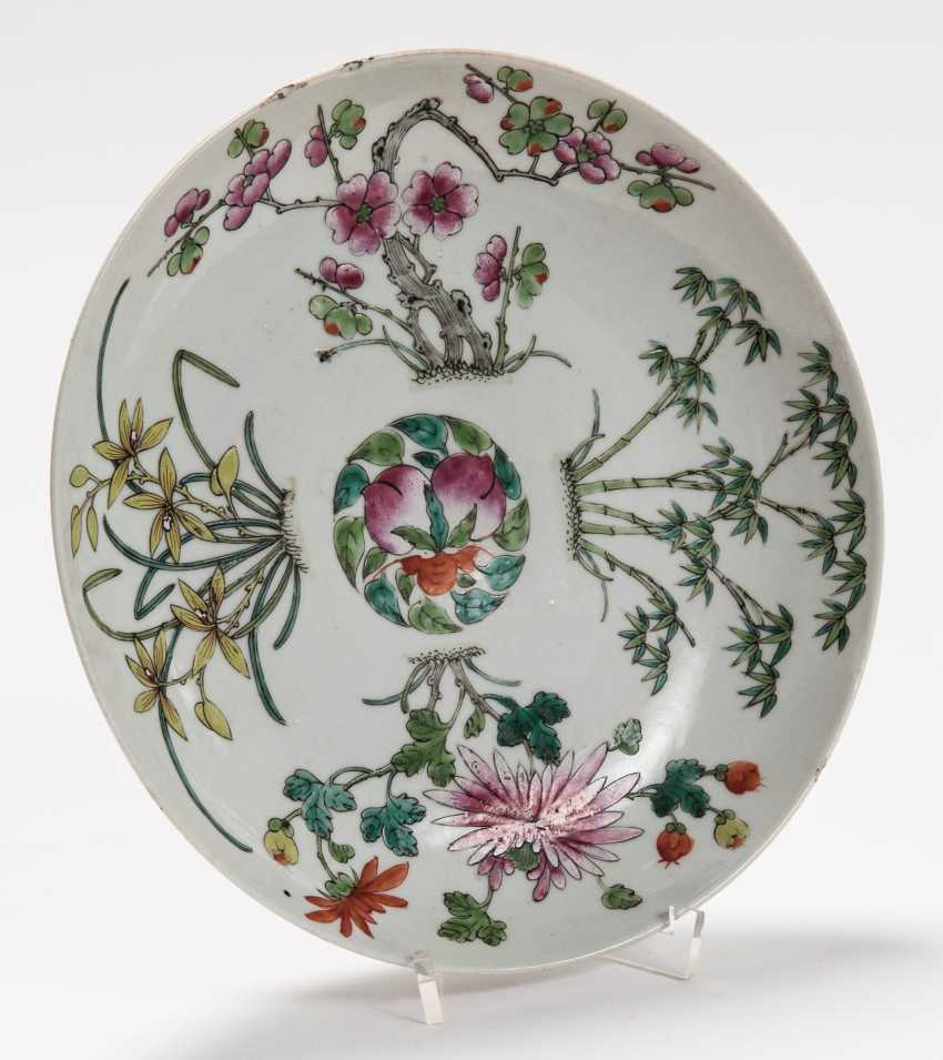 THREE VERY ATTRACTIVE COLOUR PAINTED PLATES - photo 4