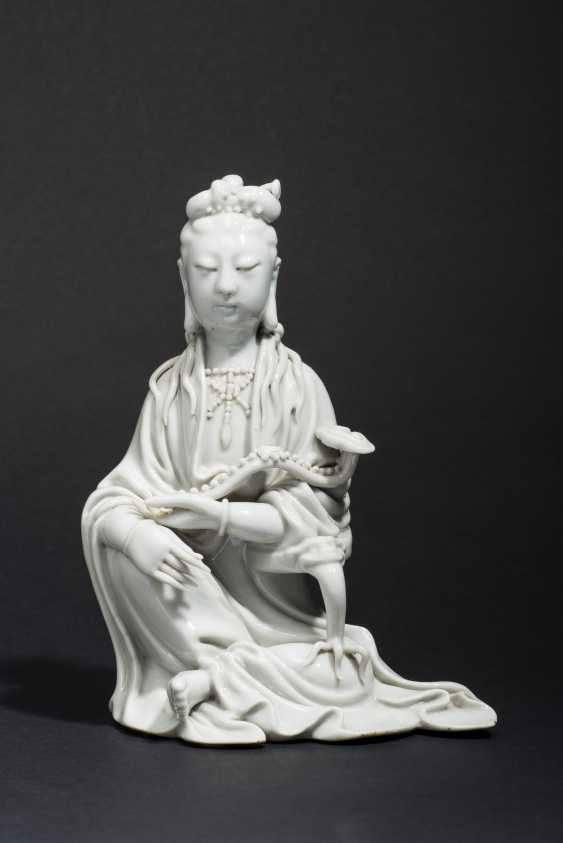 SEATED GUANYIN WITH SCEPTER