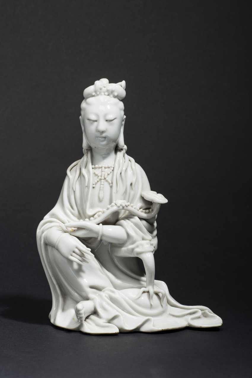 SEATED GUANYIN WITH SCEPTER - photo 1