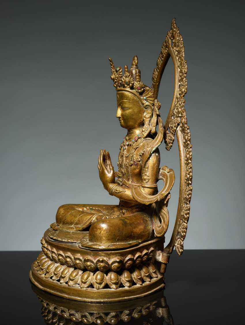BODHISATTVA IN FRONT OF A DOUBLE NIMBUS - photo 4