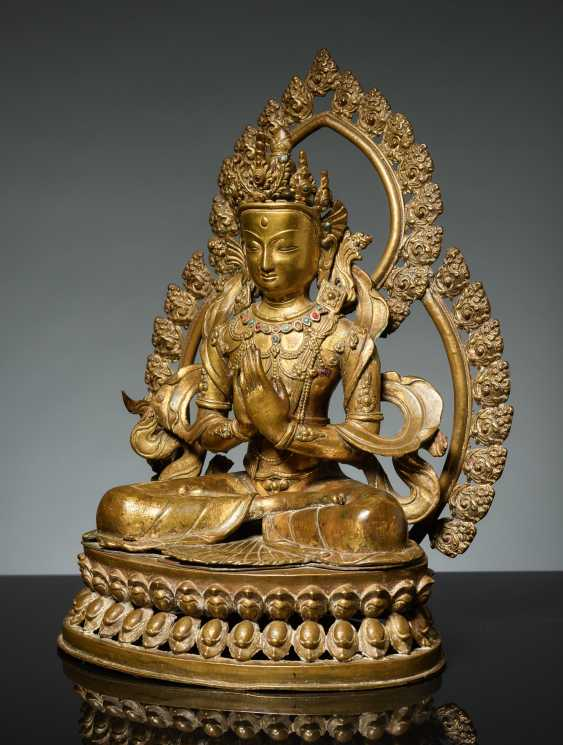 BODHISATTVA IN FRONT OF A DOUBLE NIMBUS - photo 1
