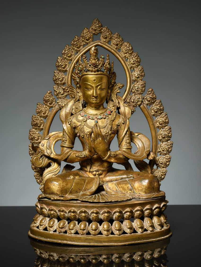 BODHISATTVA IN FRONT OF A DOUBLE NIMBUS - photo 2