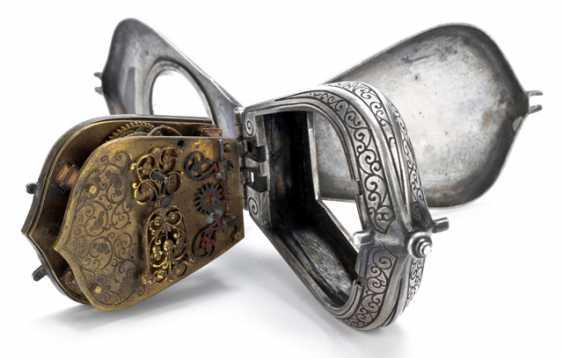 Einzeigrige Halsuhr. 19. Century - photo 2
