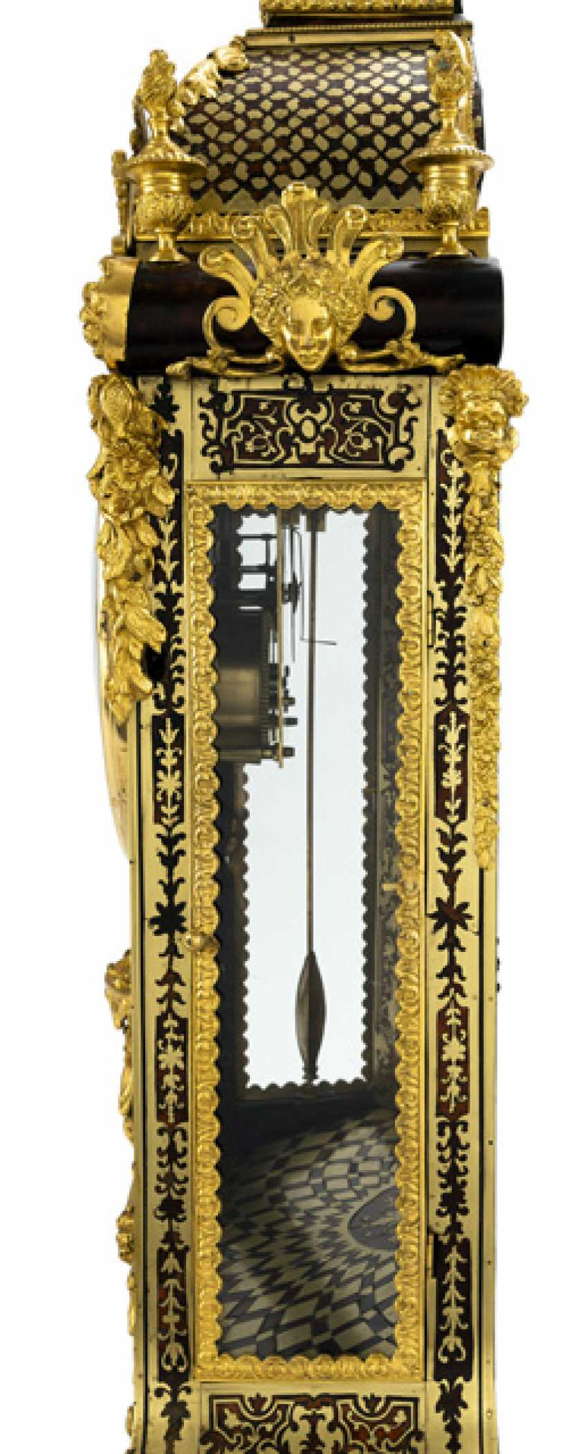 Pomp pendule. Factory Baltazar Paris, France, referred to, 18. Century - photo 2