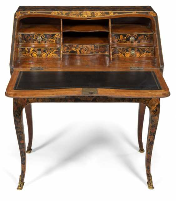 Exceptional Louis XV and ladies Secretary. Probably the successor to Thomas Hache, France 1750/60 - photo 2