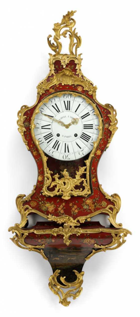 Louis XV clock on the wall console. Name Vidal L'ainé, Paris, about 1750 - photo 1