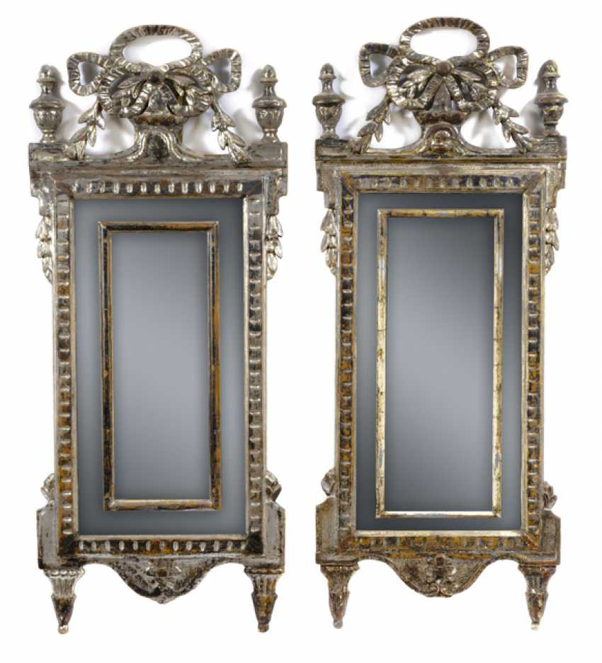 Pair of highly decorative arrow mirror. Louis XVI-style, probably Italy, 19th century. Century - photo 1