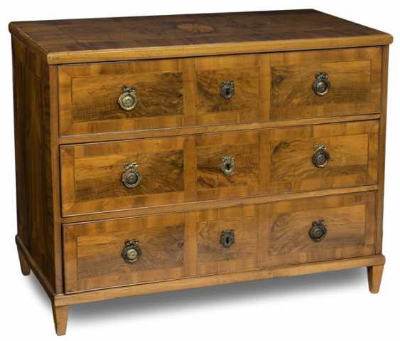 Louis XVI chest of drawers. Around 1800 - photo 1