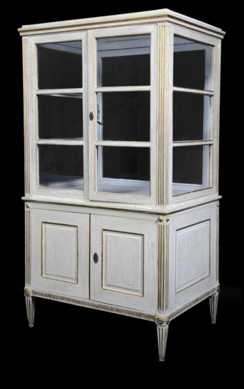 Pair of neoclassical vitrines. South German, late 18th century. Century - photo 2