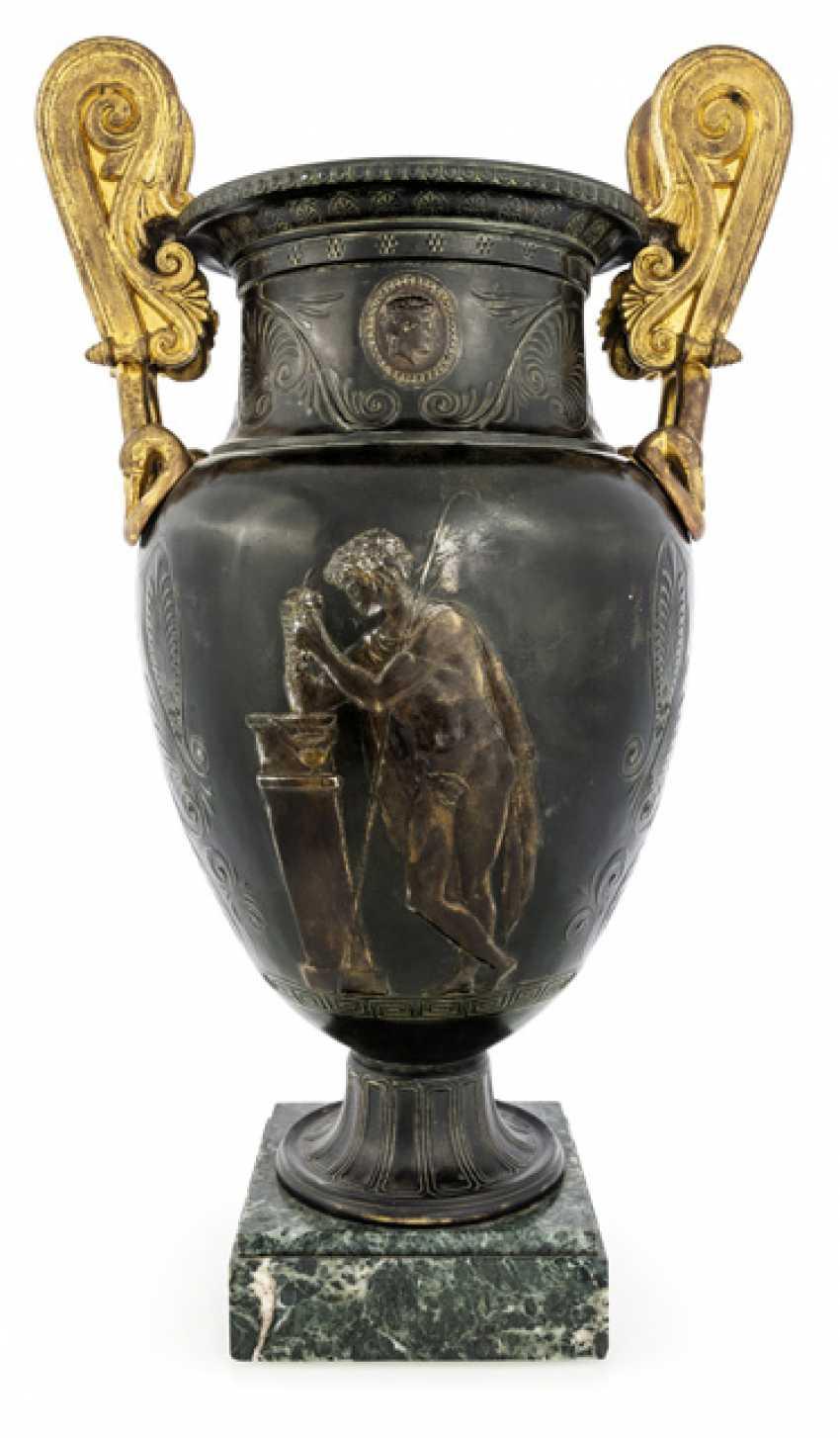 Classical Handle Vase. France, around 1830 - photo 1