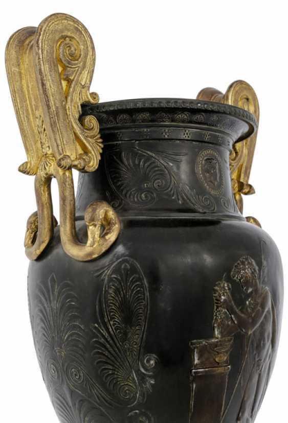 Classical Handle Vase. France, around 1830 - photo 3