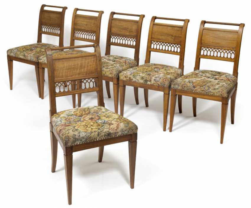 Set of six neoclassical chairs. German, around 1800 - photo 1