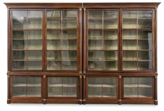 Monumentaler Bibliotheksschrank. Um 1820 - Foto 1