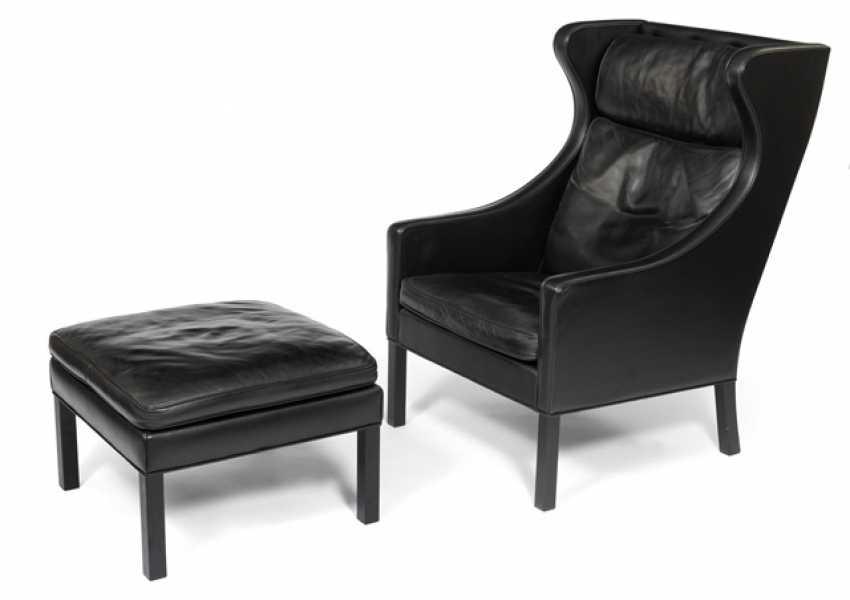 2204 Wingchair and Ottoman. Borge Mogensen for Frederica Furniture Denmark, 1980/90s - photo 1
