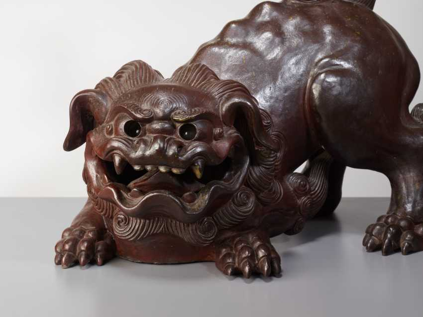 SCULPTURE OF A SNARLING SHISHI - photo 3