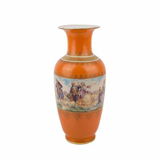 Porcelain factory VICTORIA AG/BOHEMIA Vase, 1945. - photo 1