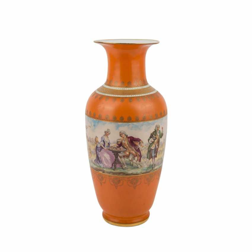 Porcelain factory VICTORIA AG/BOHEMIA Vase, 1945. - photo 2
