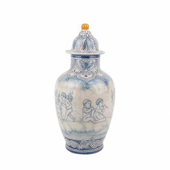 KARLSRUHE MAJOLICA lidded vase, C.1910. - photo 4