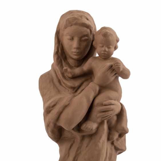 KARLSRUHE MAJOLICA 'Maria with child', 20. Century - photo 5