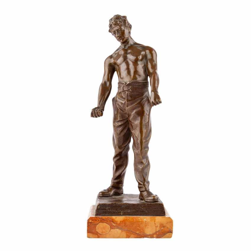 "Bronze figure of ""craftsmen"" - photo 1"